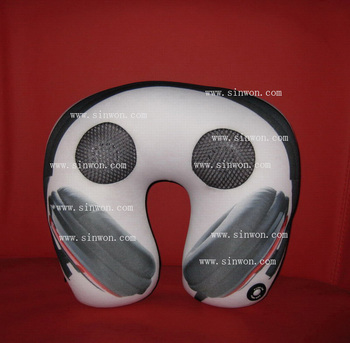 2 in 1 sPeaker and massage neck music pillow