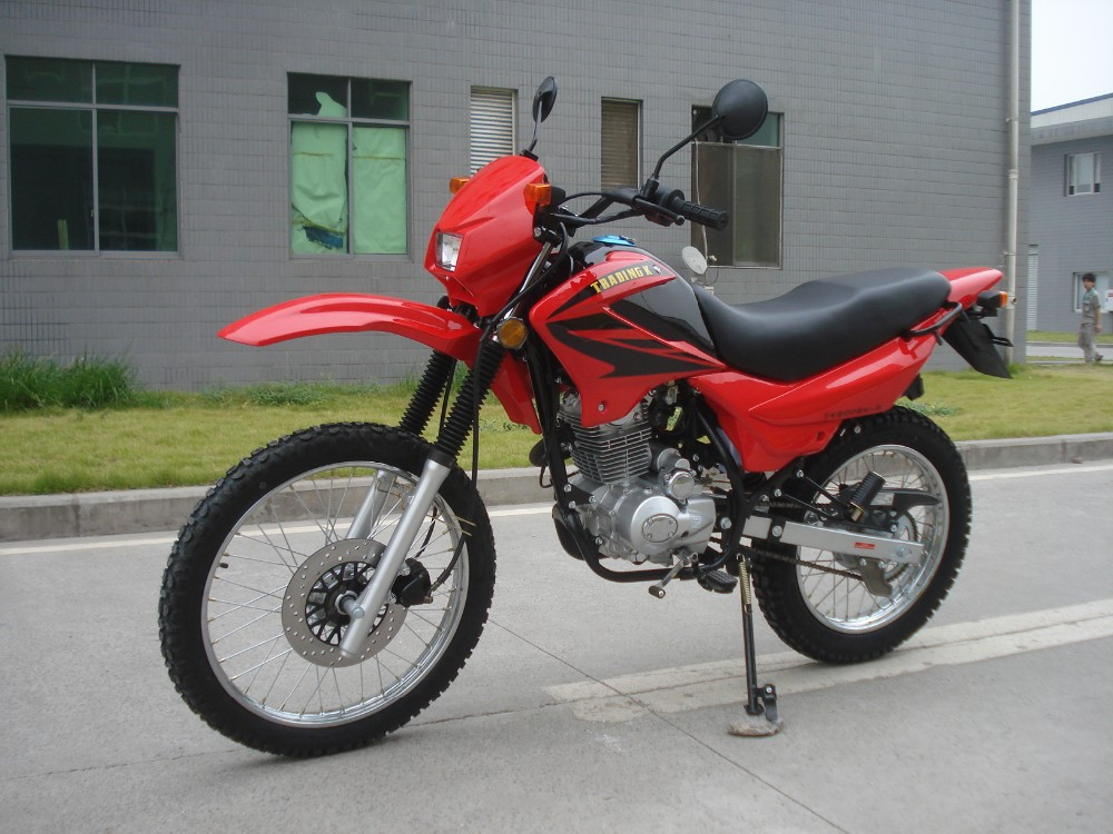 a comparison of dirt bikes and streets bikes For comparison, on my dirt bike, i'm used to things such as riding in the  can  practice in your back yard or on the street in front of your house.