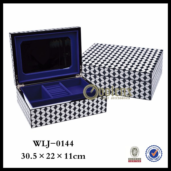 luxury packing velvet interior make up jewelry box