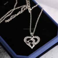 Wholesale hand in hand pendant necklace Mother's Day gift crystal heart necklace for mother silver plated