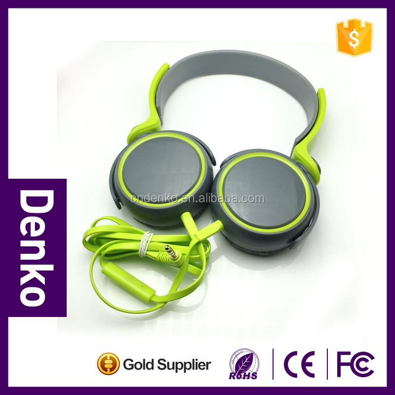 Wholesale mobile accessories the headset with microphones and good sound system