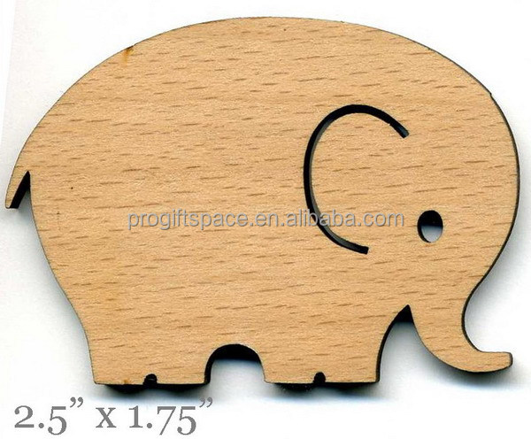 2017 new fashion hotsell eco wholesale handmade carving wooden decorations wood craft elephant gifts made in China