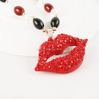 Gorgeous Crystal Red Big Lips Rosary Long Chain Pendant Necklace Woman Decorate Jewelry