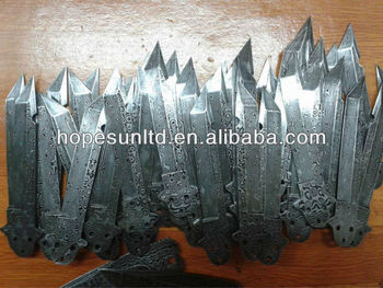 Damascus steel knife blades