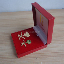 l Saudi Arabia national day metal badges with leather box, gold badges emblems for Saudi Arabia national day hot sale