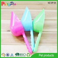 High Quality Considerate Plastic Feed Scoop
