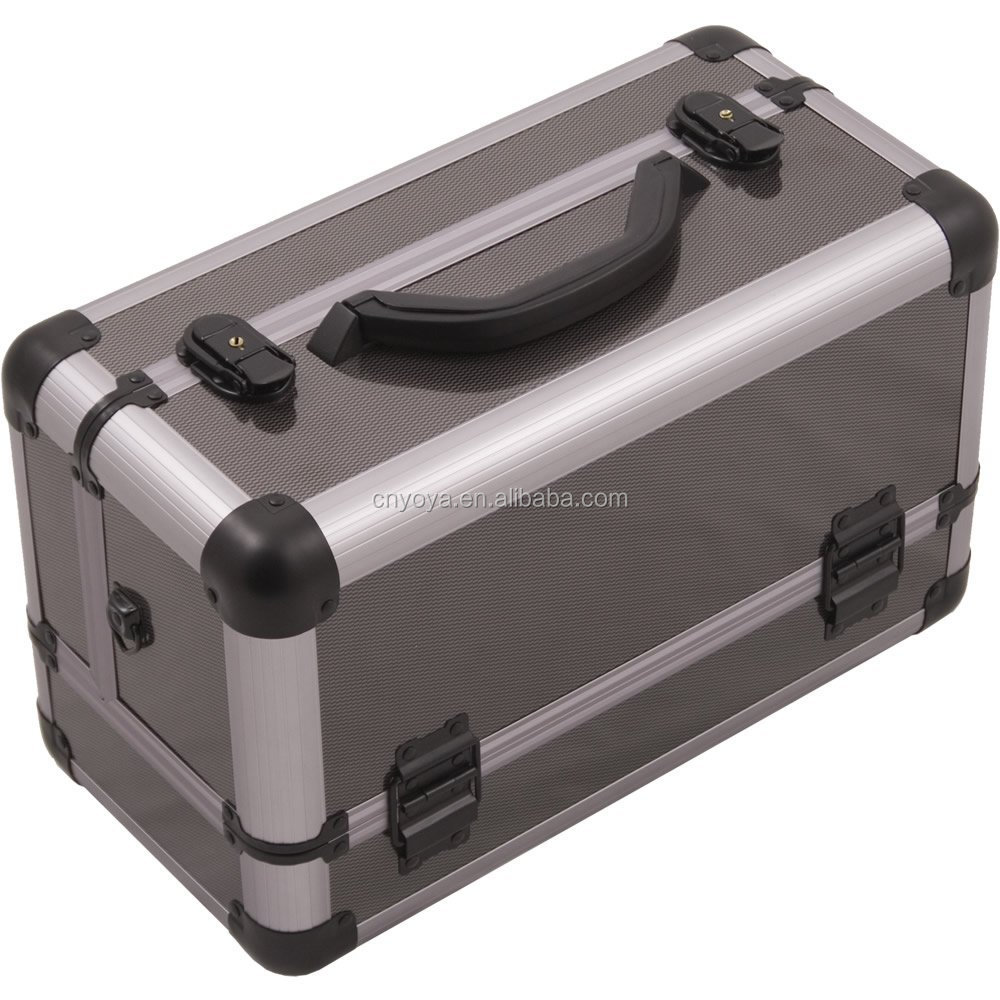 Professional Aluminum Case with Extendable Trays and Brush Holder, 15-Inch, Smooth Pattern, Gun Metal