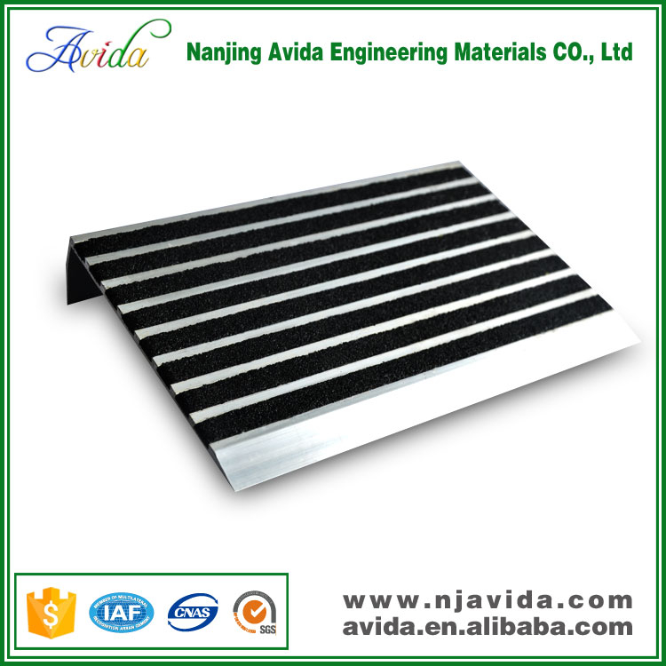 Anti-slip metal stair tile nosing for sale