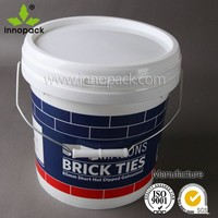10 Liter round plastic bucket with lid and pour spout