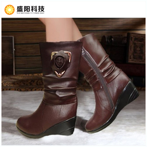 OEM ODM Rechargeable battery heated women leather winter boots Electrically Heated Shoes