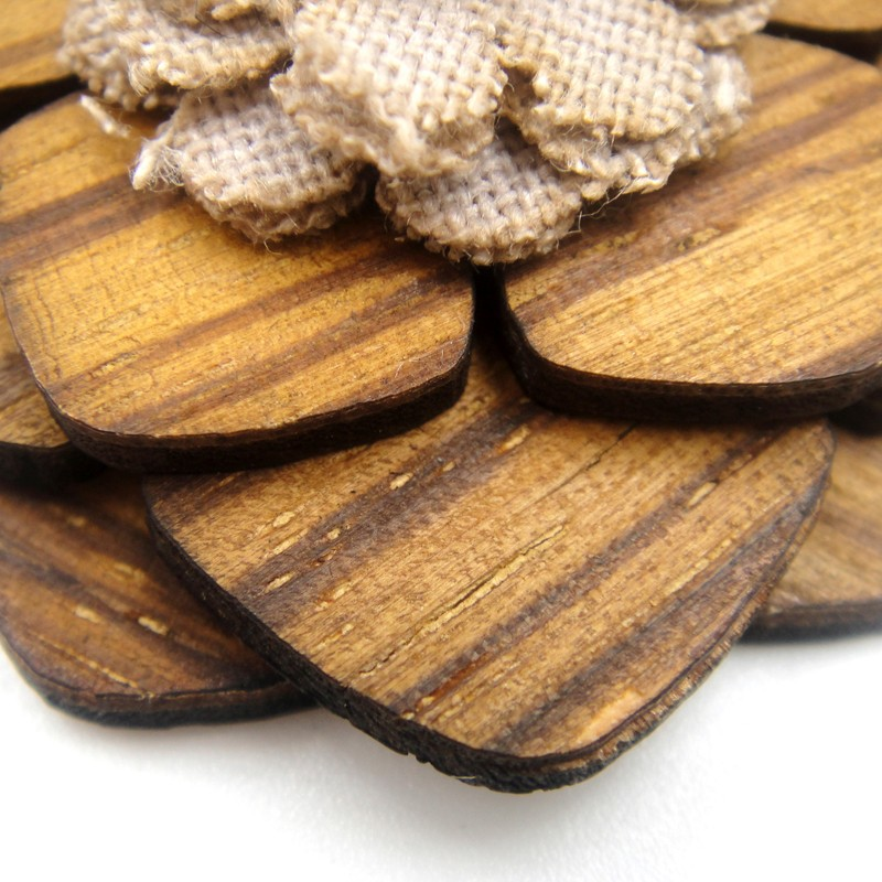 Guangzhou Factory unique custom wooden flower lapel pin for dresses