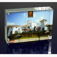 "Custom Elegant 8"" 10"" 12"" Clear Acrylic Photo Frame With Magnet Factory"