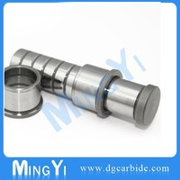 Oil groove guide posts and bushings for mould parts