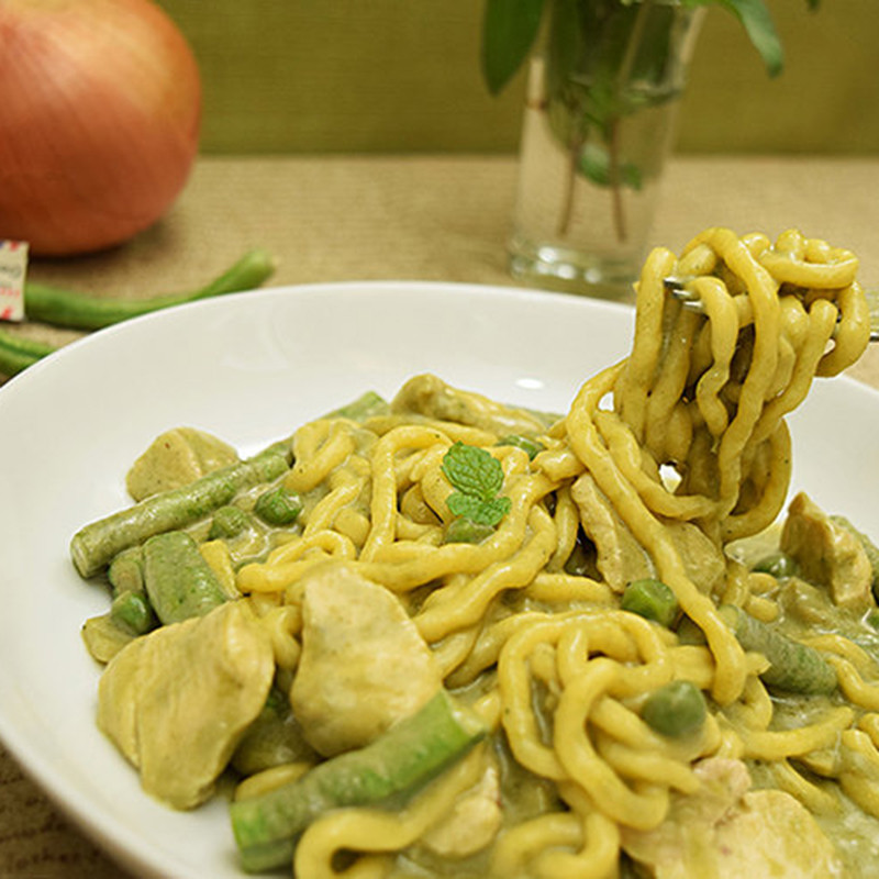 Thai Instant Chicken Green Curry Konjac Noodles