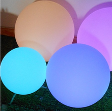 2017 Wholesale RGB Color Changing Floating Led Water Ball Light PE 15-80CM IP68