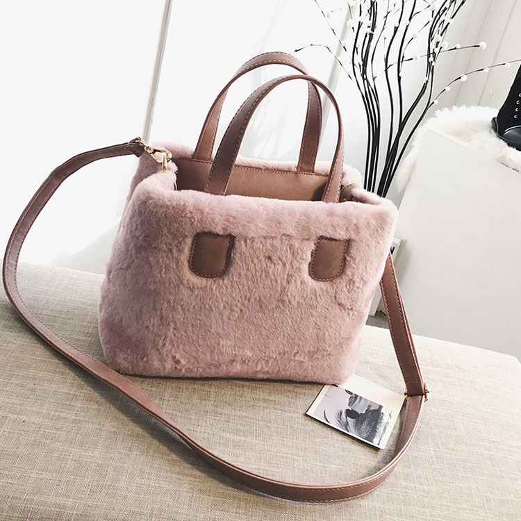 Latest <strong>design</strong> 2019 winter plush fur women stylish casual tote handbag for lady