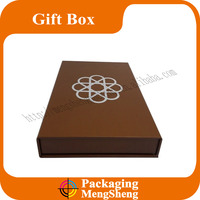 Custom Handmade Luxury Gold Foil Stamped Wedding Gift box Packaging