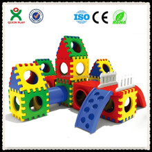 Funny activity preschool indoor playing equipment kids plastic colorful play tunnel with slide QX-161A