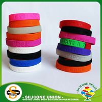 debossed sports new style debossed silicone wristband charming debossed silicone bracelet