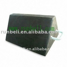 Rubber Wheel Chock TS009