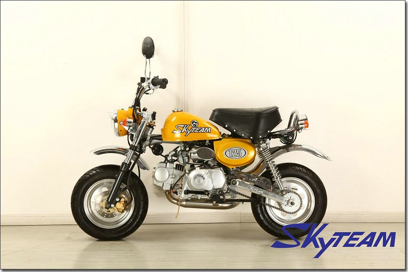 SKYTEAM 125cc 4 stroke Monkey Motorcycle Gorilla Motor bike (EEC EUROIII EURO3 APPROVED)