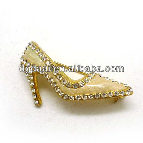 Cute korean high heel brooch pin
