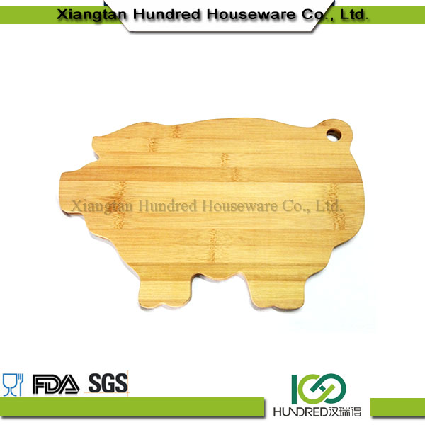 Characteristic animal shape special bamboo cutting board