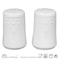 2015 new funny valentines day salt and pepper embossed shaker