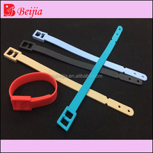 Top Quality Promotional Silicone Luggage Tag Custom logo luggage tag loop buckle strap