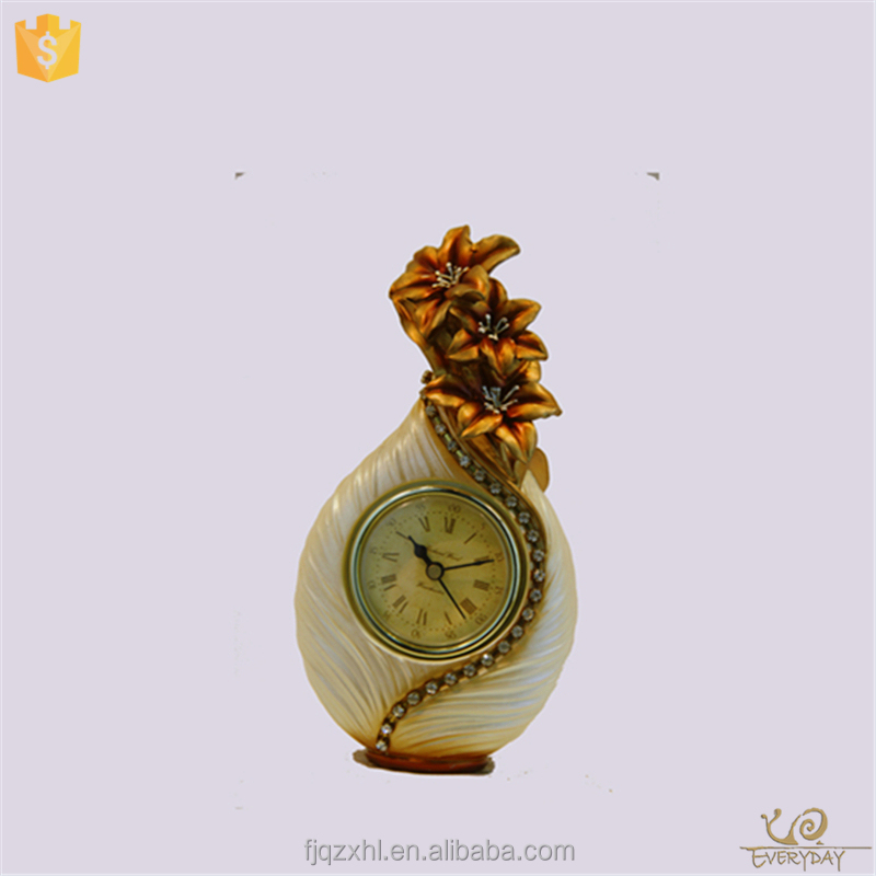 China Facotry Sand Insert Desk Themes Gifts Alarm Clock for Newly Married Couple