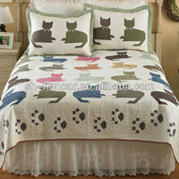Dog printed quilt made by supplier