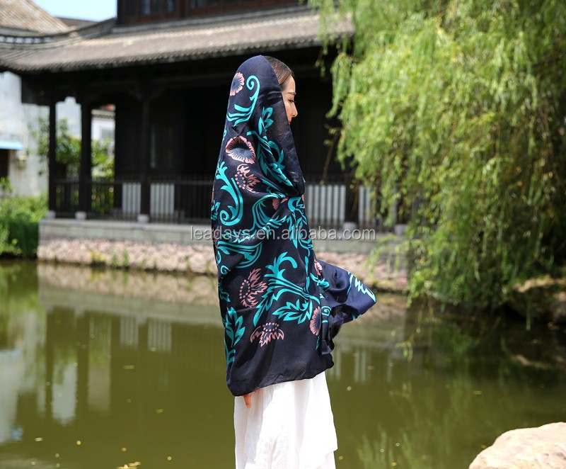 Summer Wholesale Viscose Scarves Lady Long Printed Shawls Hijab Scarf Muslim Woman