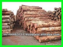 Peeled acasia round logs