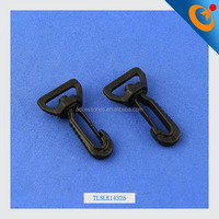 The latest strong 25mm plastic swivel snap hook for hanging bag plastic lobster claw snap hook