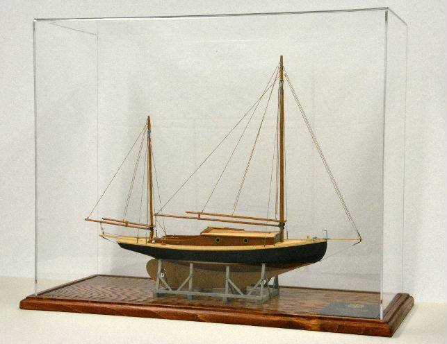 Modellers Workshop MW025 Acrylic and Wood Display Case 20L x 8w x 17H inside dimensions (for wood ship models)