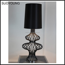 Fancy Modern Carbon Steel Fabric Table Lamp for Interior Decoration MT7053-1