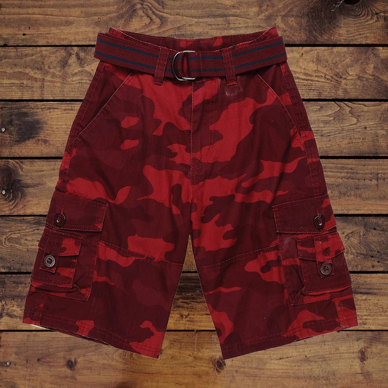 Mans cargo shorts with allover print