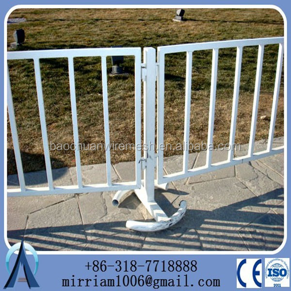 supplier metal temporary fence panels hot sale with plastic base clips screws