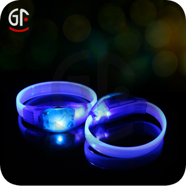 Shenzhen Decoration New Cool Gift Items Cheap Custom Flashing Party Plastic Bracelet