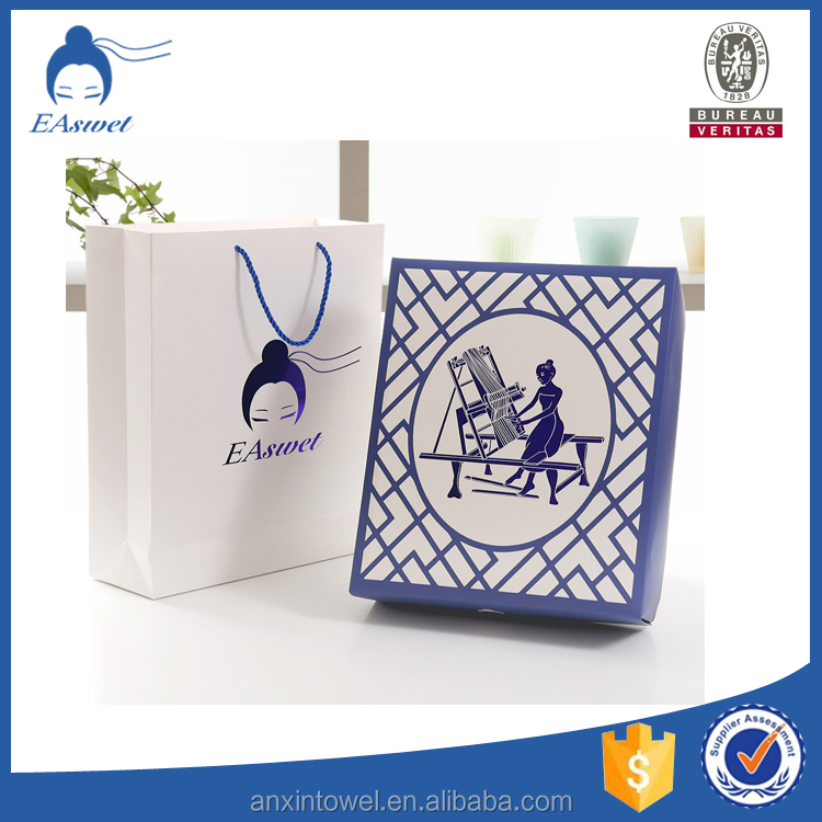 Luxury hot stamping paper gift bags branded with rope handle