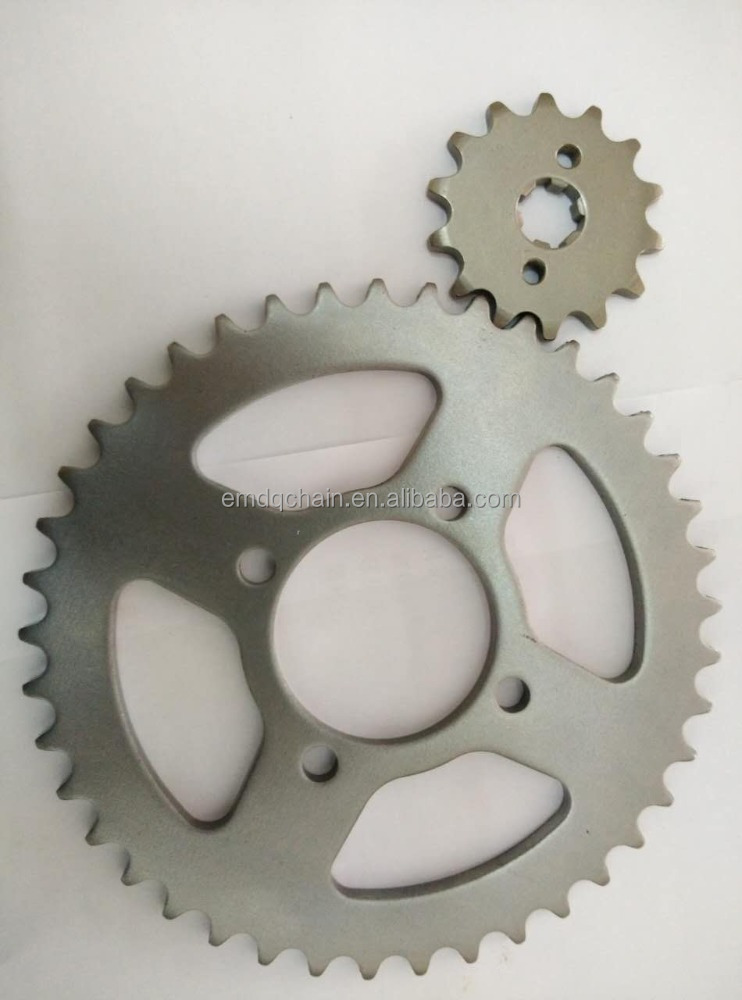 Pakistan motorcycle chain and sprocket kit CD70, 70-100cc motorcycle press cutting
