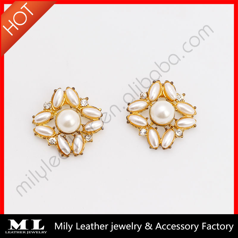 MLAE-038 New design Alloy flower white color squares turkish fashion huggie pearl earrings