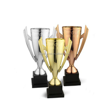 Fashion hot selling plastic sport souvenir trophy figures cup/wholesale plastic awards trophies and medals