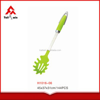special style PP/TPR/wooden handle nylon spaghetti spoon