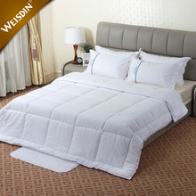 Hotel bed linen 100% cotton fabric feather velvet filling king size bed comforters