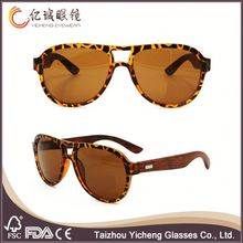 2016 new style fashion retro mirrored polarized sun glasses with plastic frame & wood temple