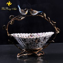 New design hand-painted product porcelain table centerpiece ceramic fruit bowl with bronze bird handle