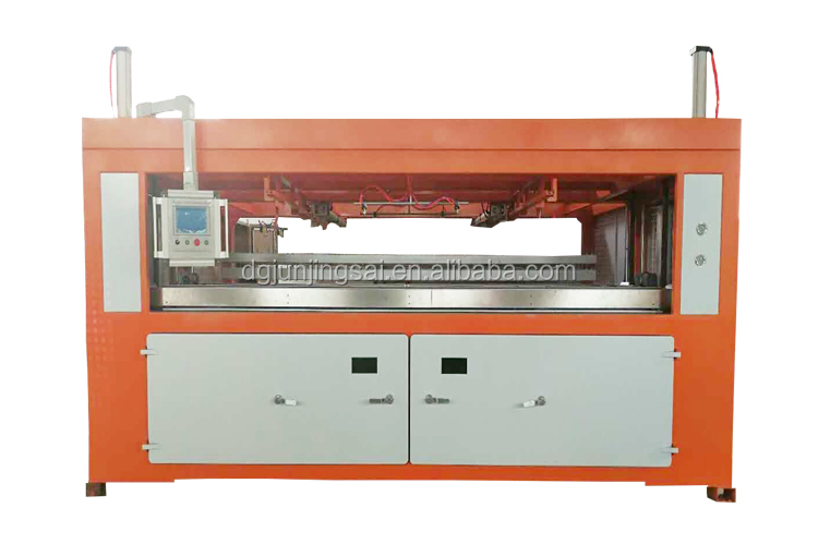 Automatic ABS car body plastic parts vacuum thermoforming machine