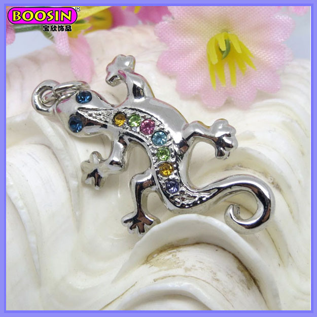 Special Imitation Diamond Amphibians Lizard Charm For Animal Lovers Jewelry # 12572
