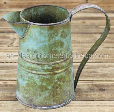 RUST IRON ROUND GALVANIZED METAL PITCHER W/HANDLE
